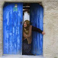 blue door_life-1416871_1280